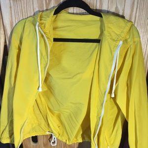 yellow windbreakerrrr